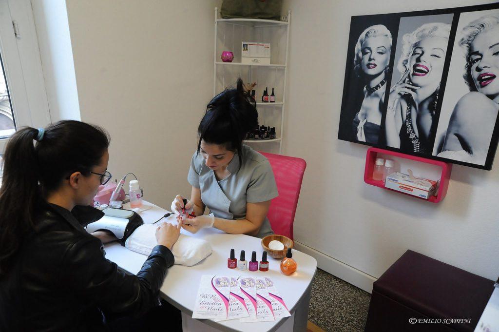 Ricostruzione unghie e gel art