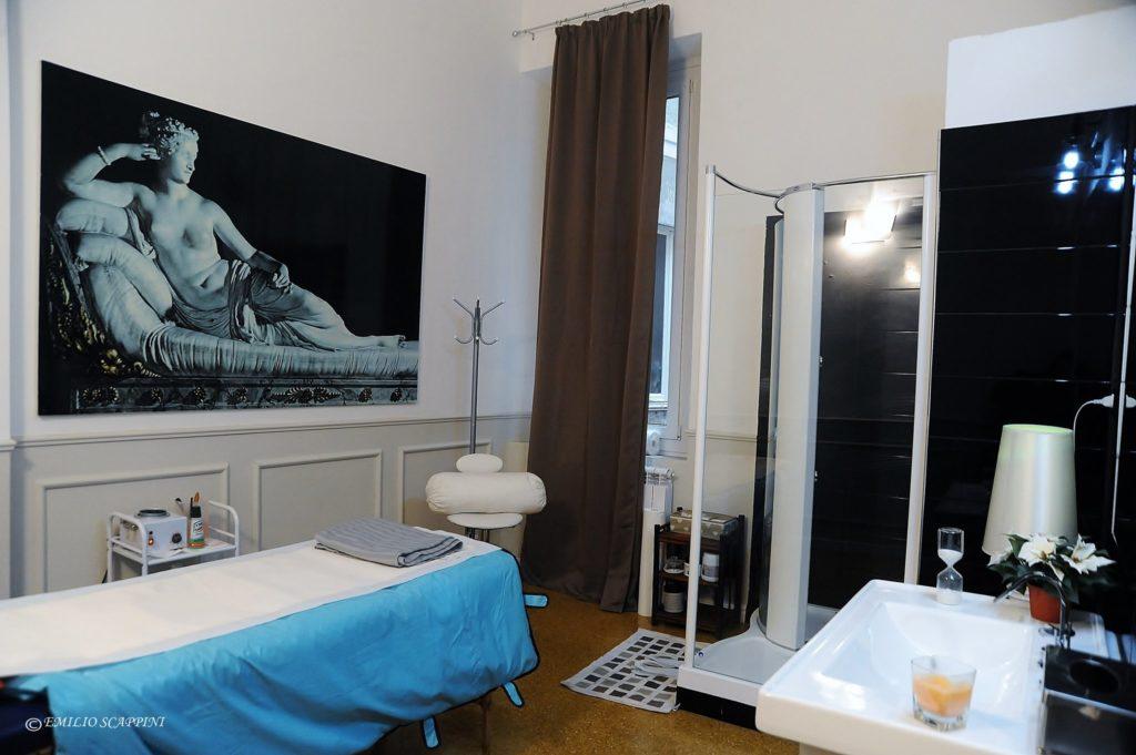 Sala con doccia idromassaggio
